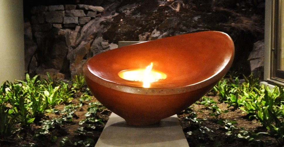 Outdoor sculptural concrete firebowl by Sticks + Stones, Yves St. Hilaire | CHENG Concrete Exchange