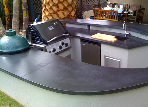 Outdoor kitchen with concrete countertops | CHENG Concrete Exchange