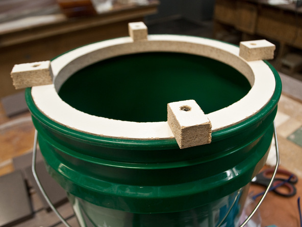 Step 5.1, Main Form - 5-Gallon Bucket Storage Stool D-FRC | CHENG Concrete Exchange