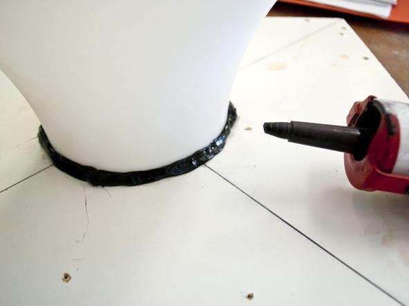 Step 4.3, Fix Lampshade to Base - Umbrella Base | CHENG Concrete Exchange
