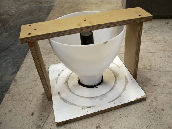 Step 6.1, Bracing - Umbrella Base | CHENG Concrete Exchange