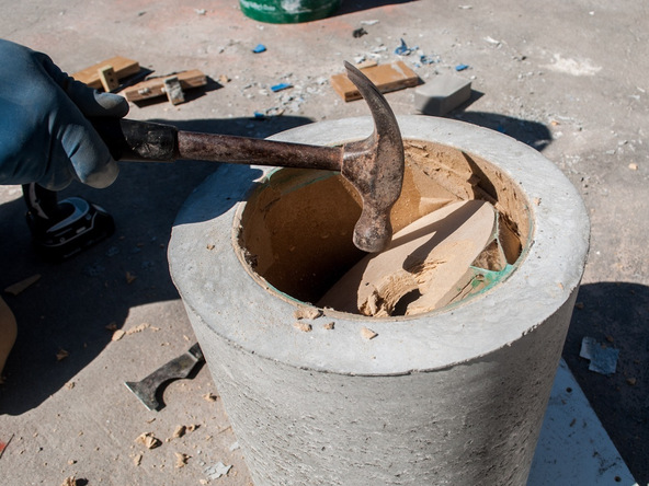 Step 12.2, Remove the Disc and Knockout - 5-Gallon Bucket Storage Stool Pro-Formula | CHENG Concrete Exchange