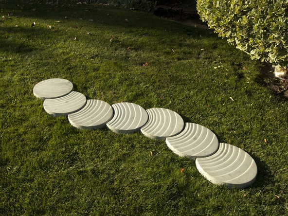 Morphos Concrete Stepping Stones | CHENG Concrete Exchange