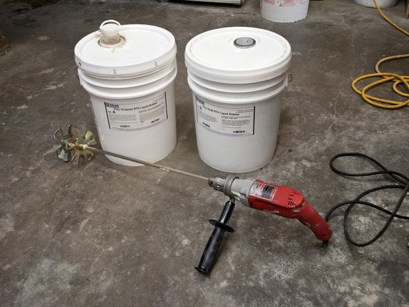 Mixing Rubber Step 2.1 - Bent Concrete Side Table | CHENG Concrete Exchange