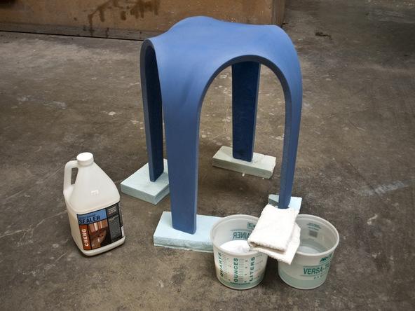 Sealing Bent Concrete Side table | CHENG Concrete Exchange