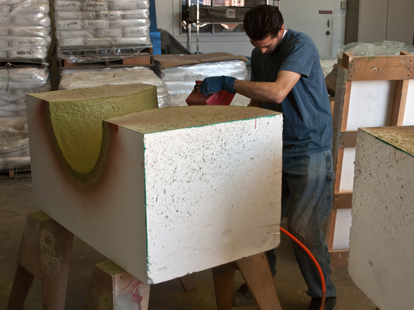 Base Spraying Step 1.2 - Round Tabletop and Base | CHENG Concrete Exchange