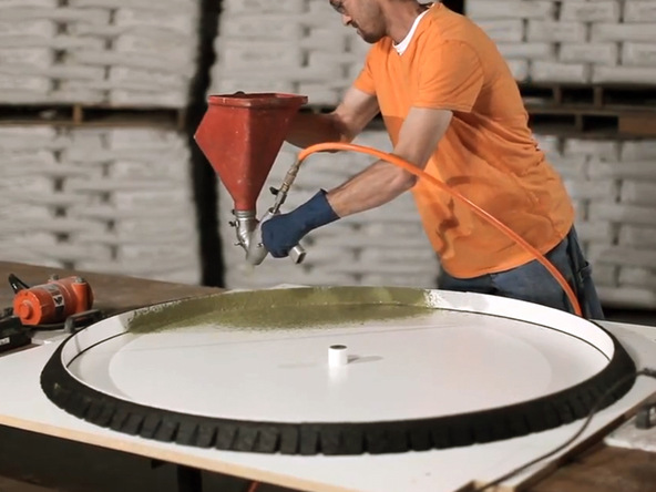 Round Concrete Table Top And Base   Table Top Spraying | CHENG Concrete  Exchange