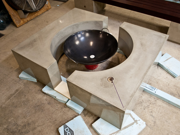 Assembling Quadra Concrete Fire Pit | CHENG Concrete Exchange