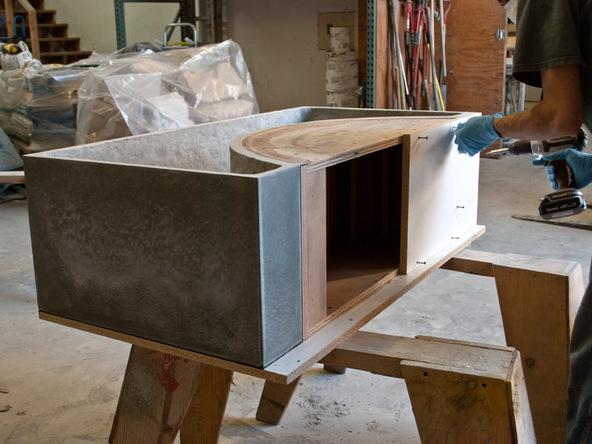 Unforming Step 2.1 - Quadra Fire Pit | CHENG Concrete Exchange