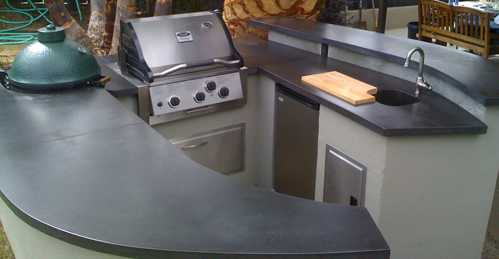Outdoor Concrete Kitchen Countertop and Barbecue Surround by Chris Frazer | Concrete Exchange